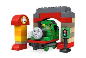 DUPLO 5543 Percy in de Remise